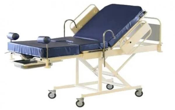 Кровать медицинская для родовспоможения